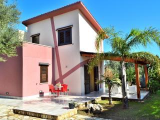 Villa di 7 posti in residence con piscina comune, Scopello