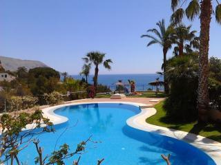 Atico dúplex con terrazas y vistas al mar, Altea