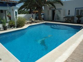 Bungalow with Whirlpool for 4 - 8 people, Ibiza