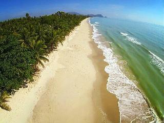 Leeloo Cabana Beach, Khanom