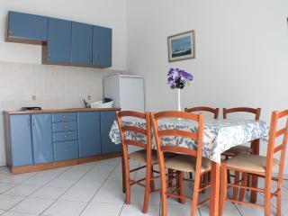 Apartment near the sea Novalja