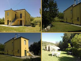 COUNTRY APARTMENT IN ITALY - NEAR MOUNTAINS & SEA, Castellalto