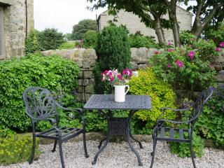 Pretty garden in The Courtyard Cottage