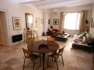 Holiday Apartment Rental L'Isle sur la Sorgue, L'Isle-sur-la-Sorgue