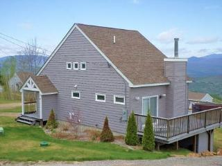 Luxury White Mountain Vacation Rental with Spectacular Mountain Views, Campton