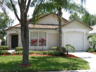Luxury 3BR/2BA Home With South-Facing Pool & Golf, Haines City