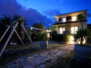 Holliday house Yucca with out door pool, Sibenik