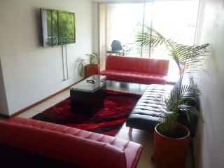 MODERN 3 bed  A/C apartment 5 BLOCKS PARQUE LLERAS, Medellin