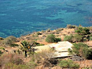 Meraviglioso Dammuso Tipico Vicinissimo al Mare, Scauri