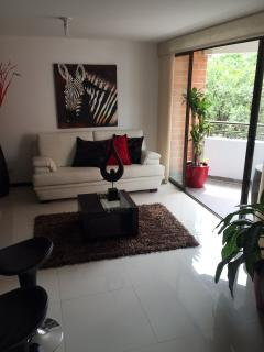 SPACIOUS AND MODERN 3 BEDROOM APARTMENT IN ROBLEDO