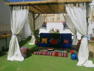 Casa en planta calle con jardín privado, Tarifa