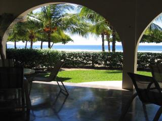 Casa Del Mar - Beach Front Home - **Built Right in the Sand**, Playa Grande