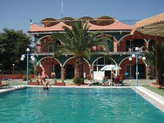 Self catering studios for  2 to 45 p, Agios Ioannis