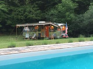 Vintage Airstream caravanes en Dordogne (Gîtes), Meyrals