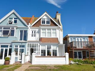 Fabulous, contemporary house on the beach, Sussex, Eastbourne