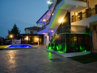 Greek Pride Hotel, Fourka