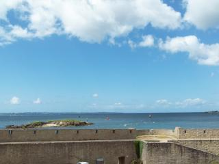Modern and bright beachside flat, in Brittany, Lorient