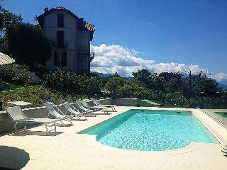 Chic villa with pool overlooking the lake, Laveno-Mombello