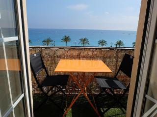 Old Town Sea View Sunset Duplex, Nice