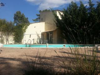 maison avec piscine au calme