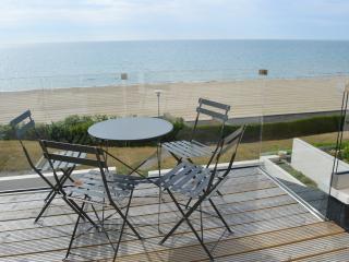 Beachside, Poole
