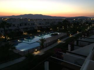 2BR corner apartment close to pool, bars & golf, Alhama de Murcia