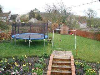 Garden come play area