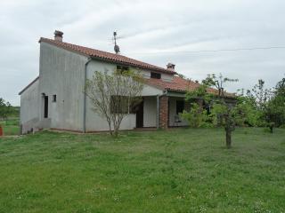 Porzione di Villa in campagna (MONOLOCALE)