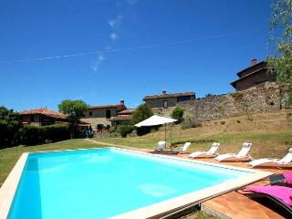 Villa with private pool, village walking distance, Villa Collemandina