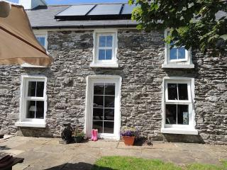 Cosy Stone Cottage In Rural Location, Cape Clear Island