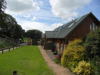 Vacs from Sept log fire,lovely views,peace and quiet.Dogs welc,  £90 per night.