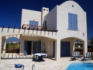4 Bed Detached Villa in Chloraka, Paphos, Cyprus