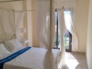 Malaga Beach Apartment,  (Puerto de la Duquesa)