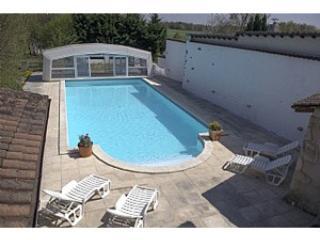 Maison avec étang et piscine privés, Nontron
