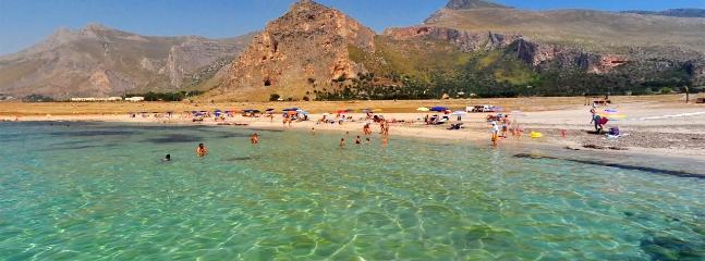 Spiaggia di Castelluzzo (Baia Santa Margherita 250 mt spiaggia libera e/o attrezzata)
