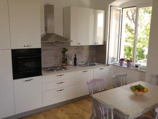 Beautiful 3 bedroom apt. in city centre, Split
