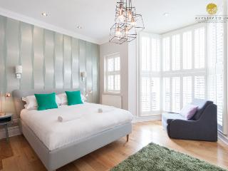 Central Brighton Group House: 6 en-suite bedrooms