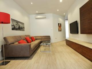 The Crown Deluxe Apartment, Sliema