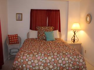 2 BDR Sunrise with an Ocean View (sleeps 6), Daytona Beach