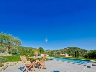 Villa Arcadia with Splendid Tuscany-style Views on Hills down to the Sea, Grasse