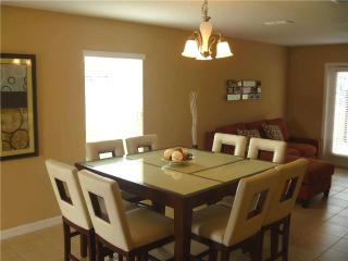 Orlando - Deluxe Vacation Rental - 8 Guests - 3BR