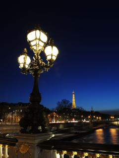 The city of light at the time of the blue hour is simply beautiful!