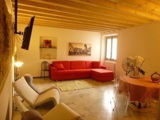 Dimora del riccio 4P apartment, Bergamo