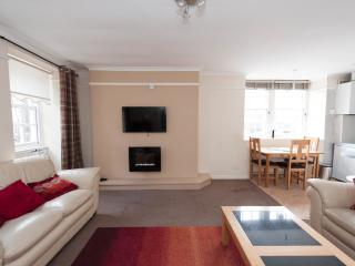 Lux 2 Bed Nr Castle Old Town, Edimburgo