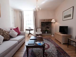 Royal Mile Luxury Apartment, Edimburgo