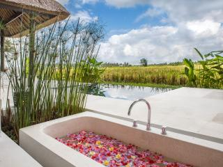 Flower petal bath - relaxation begins right here