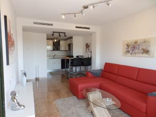 Hydra01 -  2 bed modern apt near sea, Pto Mazarron