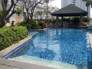 Baan Sathon Riverfront
