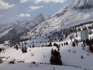 Bilocale con garage riscaldato a 100 mt. dalle piste da sci