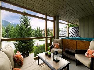 31 Glaciers Reach, this 2br home has a hot tub & pool in Whistler Village